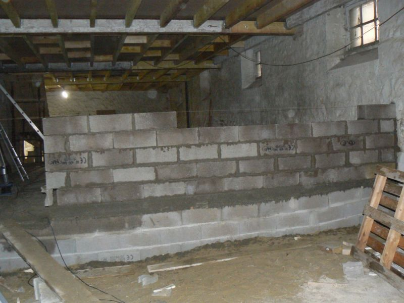 Mur en parpaing r novation d une grange - Mur en parpaing ...
